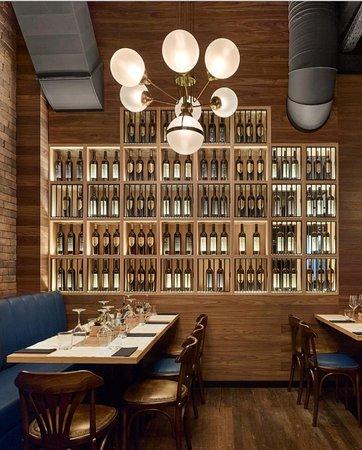 Une carte riche de vins est à votre attente chez Brassaria.