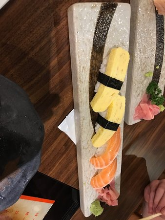 egg and salmon sushi