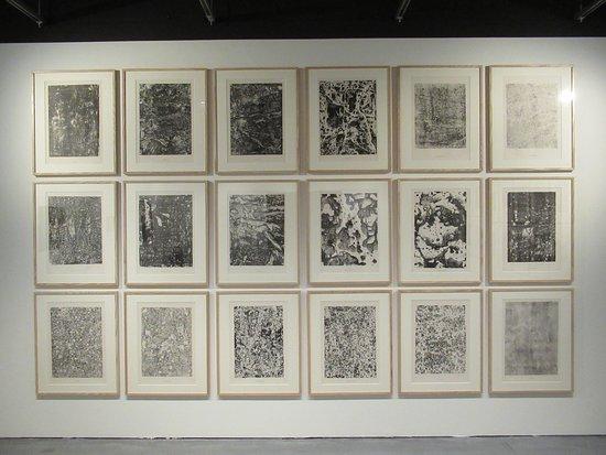 """Centre Pompidou Malaga: """"Eaux, pierres, sables"""" (1959) par Jean DUBUFFET (1901-1985)"""