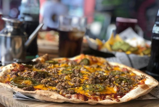 A Lena Pizzeria: A LEÑA Pizzeria