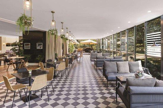 vibe hotel rushcutters sydney storehouse on the park restaurant