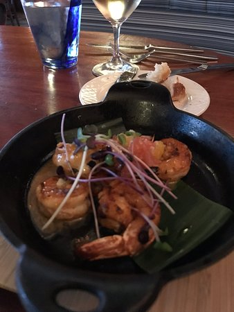 Schooners Coastal Kitchen & Bar: Tiny Angry Prawns.  Waste of money.