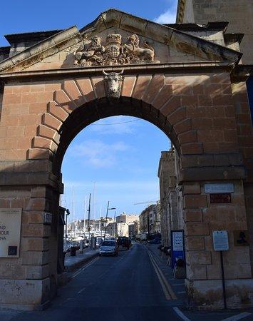 Birgu (Vittoriosa), Malta: Адмиралтейские ворота