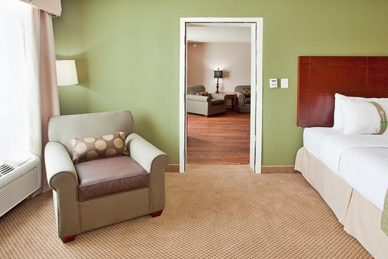 Holiday Inn Richmond South - City Gateway: Suite
