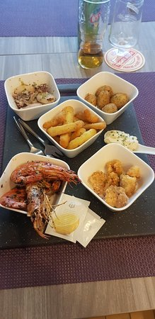 Assiette de tapas de la mer à partager !  Délicieux , aîoli  maison ; essayez c'est l'adopter ;