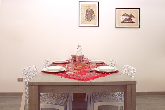 Residence Virgilio: Appartamento Red - Tavolo da Pranzo