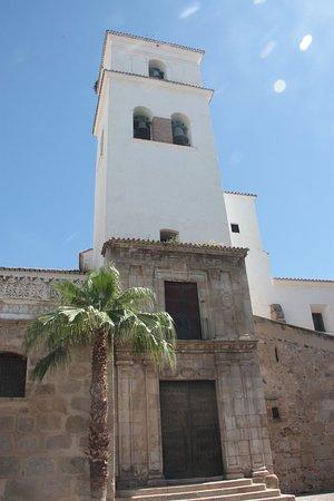 Vista de la iglesia desde la parte del campanario
