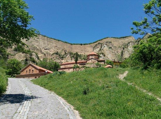 Mtskheta, Georgië: Шио-Мгвимский мужской монастырь. Рядом с Мцхетой.
