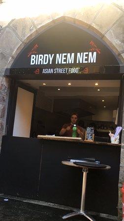 Birdy Nem nem place de la halle
