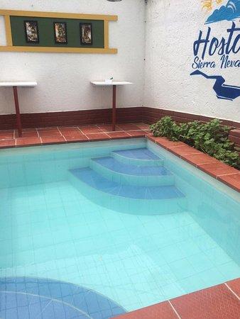 Σάντα Μάρτα, Κολομβία: Hospedaje, Restaurante y Piscina