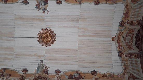 Igreja Nossa Senhora do Bom Sucesso: Detalhes da pintura do teto da Matriz de Nossa Senhora do Bonsucesso