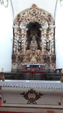 Igreja Nossa Senhora do Bom Sucesso: O belíssimo altar-mor em estilo rococó da Matriz de Nossa Senhora do Bonsucesso