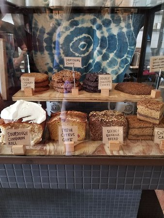 Lodge Bread Company: Bread and pastries - Excellent