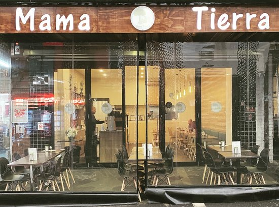 Mama Tierra: Front of the shop