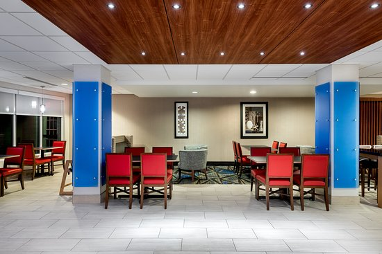Holiday Inn Express Hotel & Suites - Daphne-Spanish Fort: Lobby