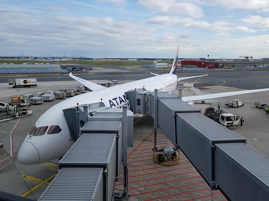LATAM Airlines: LATAM MAD-FRA Business Class