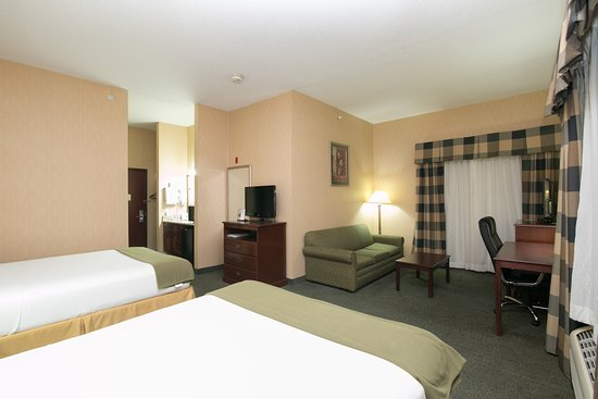Holiday Inn Express Sycamore: Suite