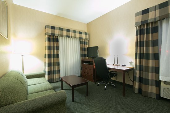 Holiday Inn Express Sycamore: Guest room