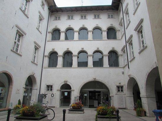 Il Palazzo di Piazza o Municipio d'Arco