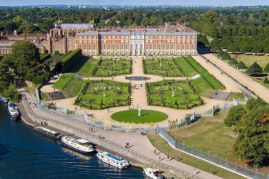 Hampton Court Palace & Windsor ...