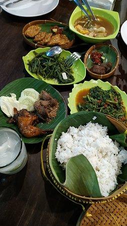 Lombok Idjo Surabaya: makanan