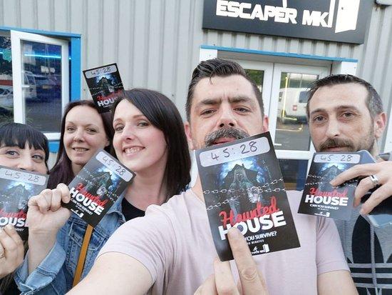 Blackout Escape Rooms: We escaped!
