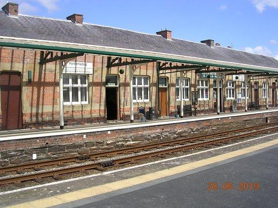 Porthmadog Railway Station