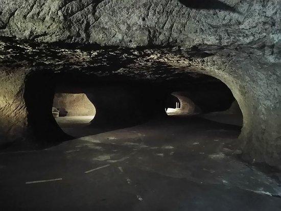 Die Teufelshöhlen von Pekelne Doly
