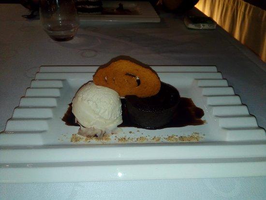 Restaurante Casa Guillermo: Coulant de Chocolate con helado de vainilla