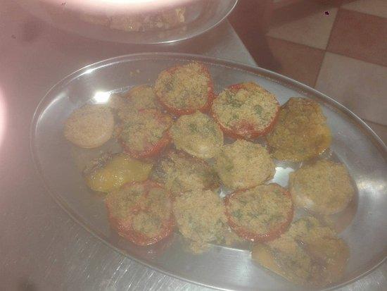Grottazzolina, Italia: pomodori al forno