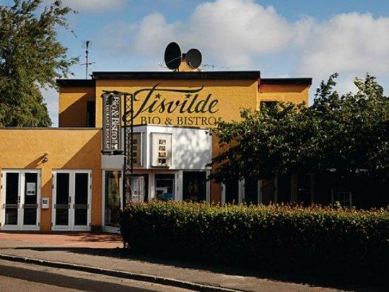 Tisvildeleje, Denmark: Tisvilde Bio hyggelig og lige ved siden af restaurant og bar.