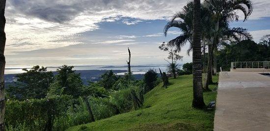 Almirante, פנמה: view of Caribbean from Pool/Bar/Restaurant area