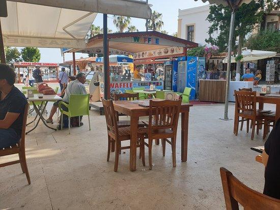 Kas Belediyesi Aile Cay Bahcesi: The Municipal Cafe in Kas