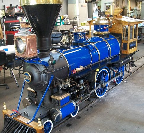Riverside and Great Northern Railway: Steam Engine #98 (4-4-0) was just repainted.