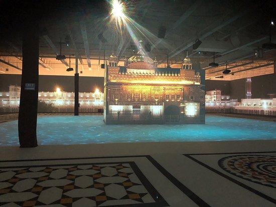 IN5 Experium Golden Temple