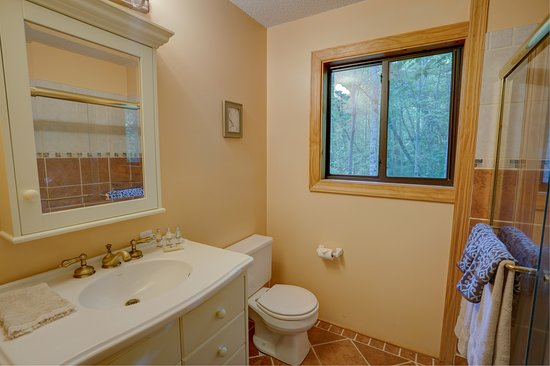 Bryson City, Carolina del Norte: Upstairs shared bath