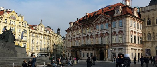 Staromestske namesti: Staroměstské náměstí