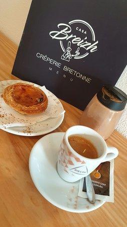Café et pastel de nata!!
