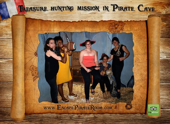 Treasure hunting mission in Pirate Cave!