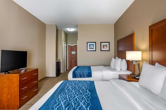 Comfort Inn South Chesterfield - Colonial Heights: Guest room with queen bed(s)