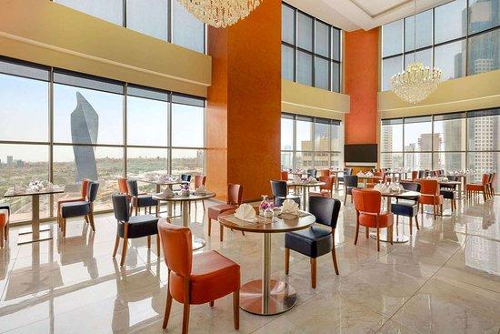 Ramada Encore by Wyndham Kuwait Downtown: Breakfast Area