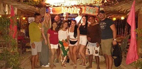 Mango Bar & Restaurant: Friends  from  Spain