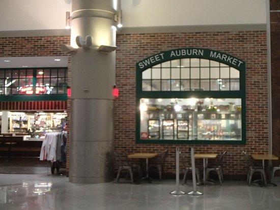 Sweet Auburn Market, International terminal