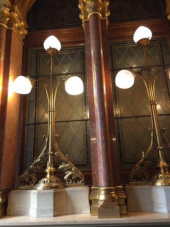 Országház: Hungarian Parliament Building