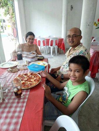 Tintay's Pizza: Tintay's Pizza