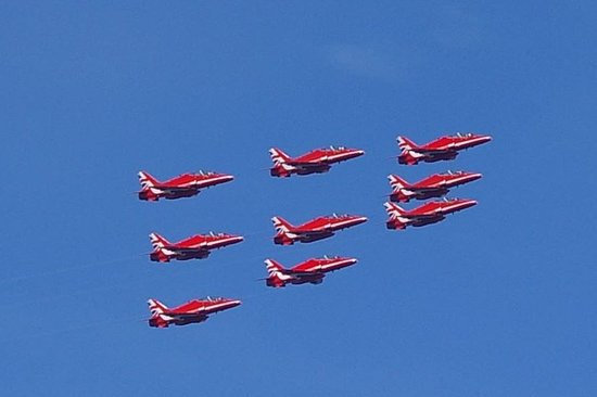 Red Arrows formation change