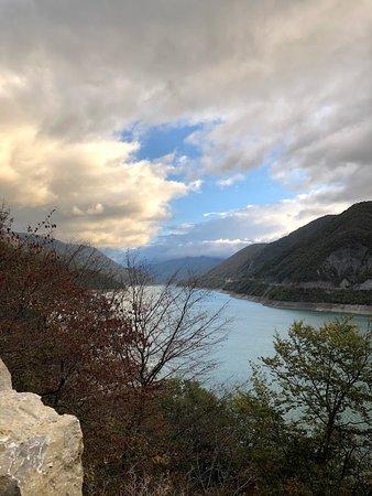 Jinvali Water Reservoir 사진