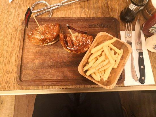 Nusr-Et Steakhouse Sandal Bedesteni