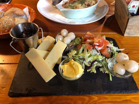 Gulval, UK: Chesse salad