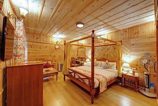 WelcomHeritage Urvashi's Retreat: Standard Room